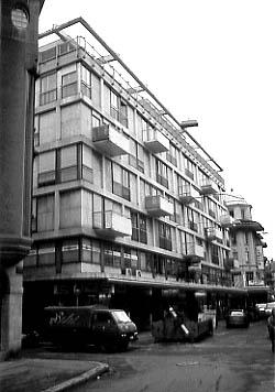 Eine Aussergew 246 Hnliche Fassadengestaltung Von Roland Rohn