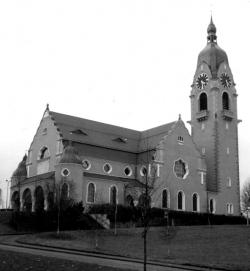Dynamik und Monumentalität – Stilphänomene im Kirchenbau des Reformstils und der Schweizer Architekt Adolf Gaudy